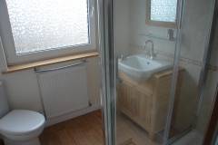 Polzeath Chalet Bathroom 2